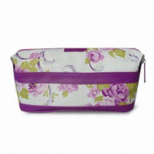Toiletry Bag in Printed PVC with Press Button Closure on Sides, Measures 23 x 13 x 14cm