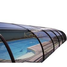 Палуба ограждения крыши над скользящей крышкой бассейна