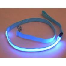 Correa de perro luminosa de color azul retráctil