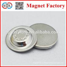 имя значки магнит в металле