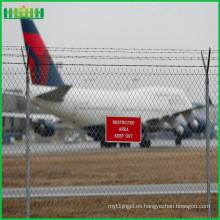 Aeropuerto soldado malla de alambre de PVC revestido de valla de jardín