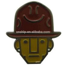 2016 fábrica preço barato cowboy custom esmalte pin metal emoji crachá titular
