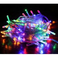 O Natal decorativo conduziu a luz da corda