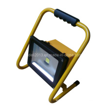 Projecteur LED portable rechargeable de 30W
