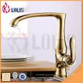 Faucet para a torneira do banheiro dourado