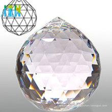 Bolas de cristal multifacetadas de cores diferentes