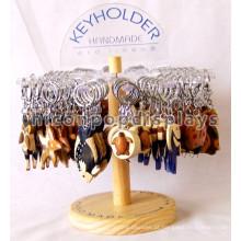 Suporte de acrílico atraente em madeira de bancada de aço inoxidável Anel de chaveiro de aço inoxidável Suporte de anel de joalharia de basquete