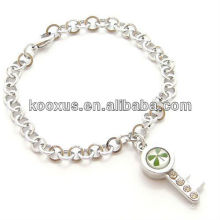 Lucky Four Leaf Clover Bracelet with key charm