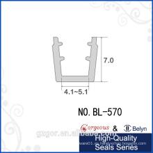 Propia fábrica / auto-adhesivo de vidrio ducha sello de la puerta de aluminio para los productos de aluminio