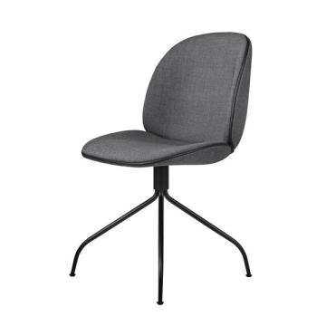 Beetle Meeting Chair di GamFratesi per Gubi