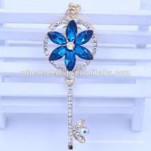 Nueva venta al por mayor del keychain del rhinestone del diseño de la flor de la llegada