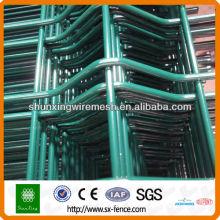 Los paneles soldados de la cerca del acoplamiento de alambre del PVC 3D (ISO9001)