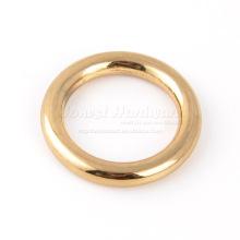 Dickes Metall o Ring