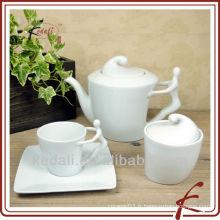 Ensemble de thé en porcelaine de couleur blanche de haute qualité