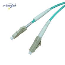 LC / UPC Multimode Innen OM3 Oem LC Pc Upc Simplex Patchkabel PVC / LSZH Jacke 2,0 mm 3,0 mm China Fabrik Lieferant