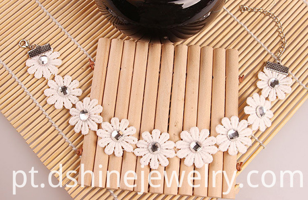 Lace Rhinestones Daisy Anklet