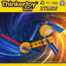 El coche plástico más nuevo 2015 del juguete de los juguetes del coche del juguete de los niños