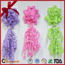 Set de regalo con cinta para rizar la decoración de la boda