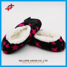 Зимняя крытая теплая противоскользящая звезда домашняя туфля для оптовой продажи