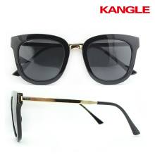 Dernières lunettes de soleil en métal Novelty Design Metal Sunglasses Cool cadre métallique pour la conduite