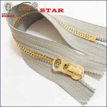 # 10 Big Teeth Gold Zipper für Kleider
