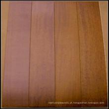 Piso de madeira Merbau de alta qualidade projetado