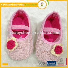 Горячее сбывание симпатичное мягкое единственное hand knit ботинок младенца ботинок младенца