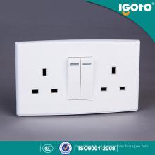 Enchufe conmutado 13A doble estándar de Igoto British Dl3013 con el interruptor de 2 pandillas