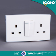 Igoto British Standard Dl3013 Duplo Tomada Comutada 13A com Interruptor de 2 Gang