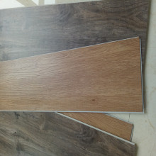 Plancher SPC 100% vinyle imperméable de luxe