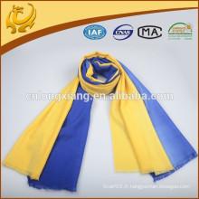 Factory OEM Solid Color Tassel Echarpe en laine en bleu et jaune Echarpe en gros brossé