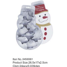 Snowman packing cookie cutter