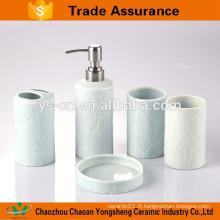 Ensemble d'accessoires de salle de bains en céramique design frais pour salle d'eau