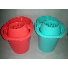 2014 New Design Plastic Cheap Household Cleaning Tool Mop Bucket with Sieve