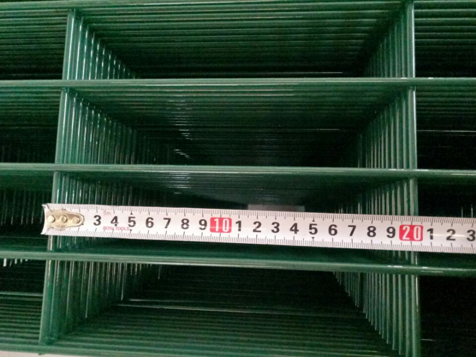 welding fence panel mesh hole