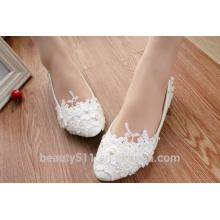 Los zapatos de las mujeres blancas altas y blancas y los zapatos de las señoras WS014