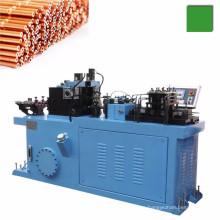 Tubo capilar de cobre cortado a máquina de longitud con acabado final y rebordeado.