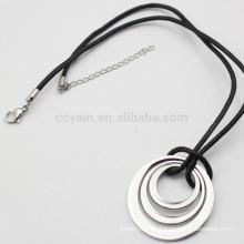 Unisex Silber Metall Drei Ring Halskette Mit Schwarzem Leder Schnur