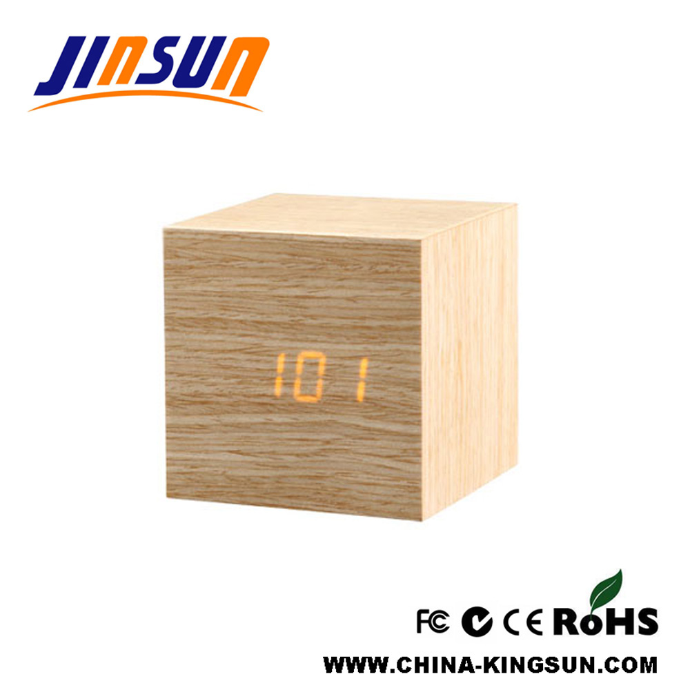 Wooden Clock With Temperature