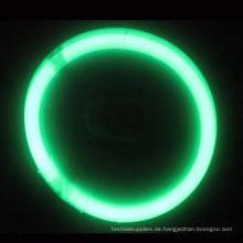 grünes Leuchtarmband