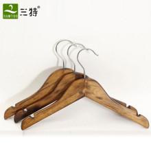 percha de madera barata y recta para niños