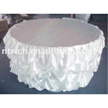 pano de cobertura e mesa cadeira babados cetim ornamentado