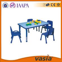 사용된 유치원 용품 유치원 테이블 및의 자 사용된 식당 테이블 및의 자 사용