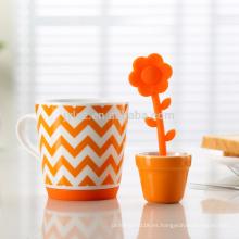 Taza de cerámica hermosa del infuser del té para la promoción