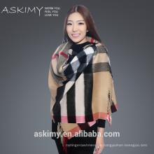 Dame Art und Weise kundenspezifischer Schal