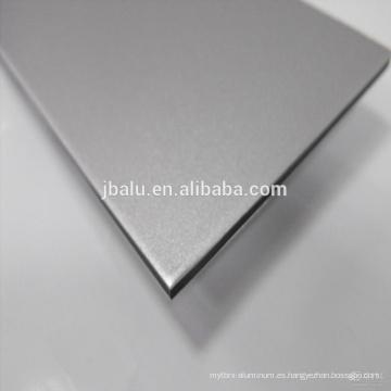 La chapa de aluminio se utiliza para construir cortinas, interiores, pilares y techos y otros lugares de materiales decorativos