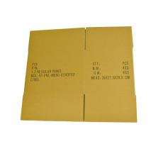 gelber Karton mit elektronischen Produkten