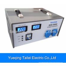 Estabilizador de tensão SVC-5000 com comutadores rotativos, visor de medidor LCD e disjuntor