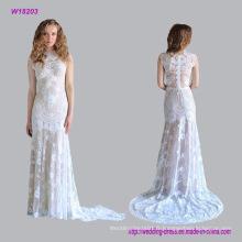 Sans manches en dentelle florale avec une robe de mariage de longueur chapelle