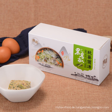 Gesunde Instant-Suppe aus essbaren Pilzen und Kora